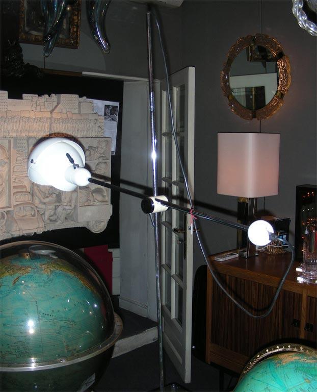 grand lampe italienne articul e poque 1950. Black Bedroom Furniture Sets. Home Design Ideas