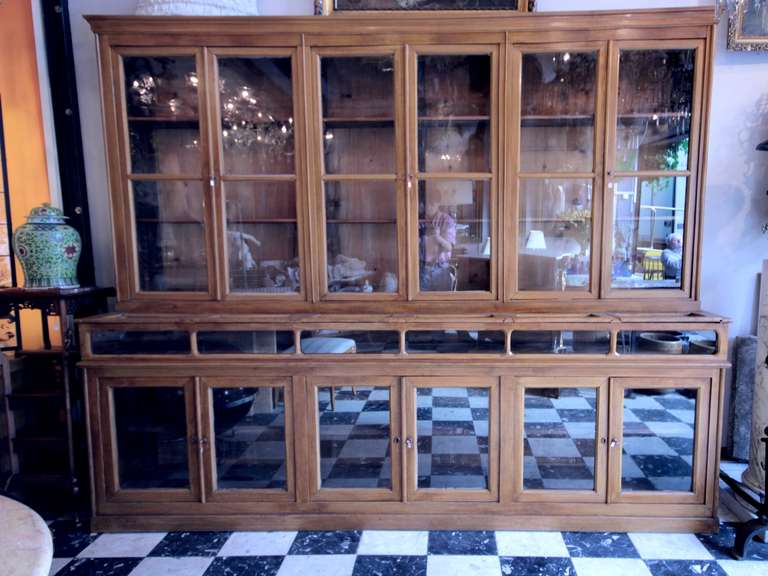 paire de meubles vitrines de pharmacie d 39 poque 1880 1900. Black Bedroom Furniture Sets. Home Design Ideas