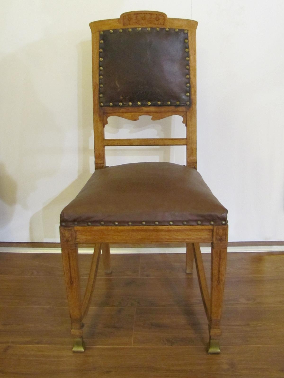 rare ensemble d 39 une grande table et douze chaises d 39 poque art and craft en ch ne. Black Bedroom Furniture Sets. Home Design Ideas